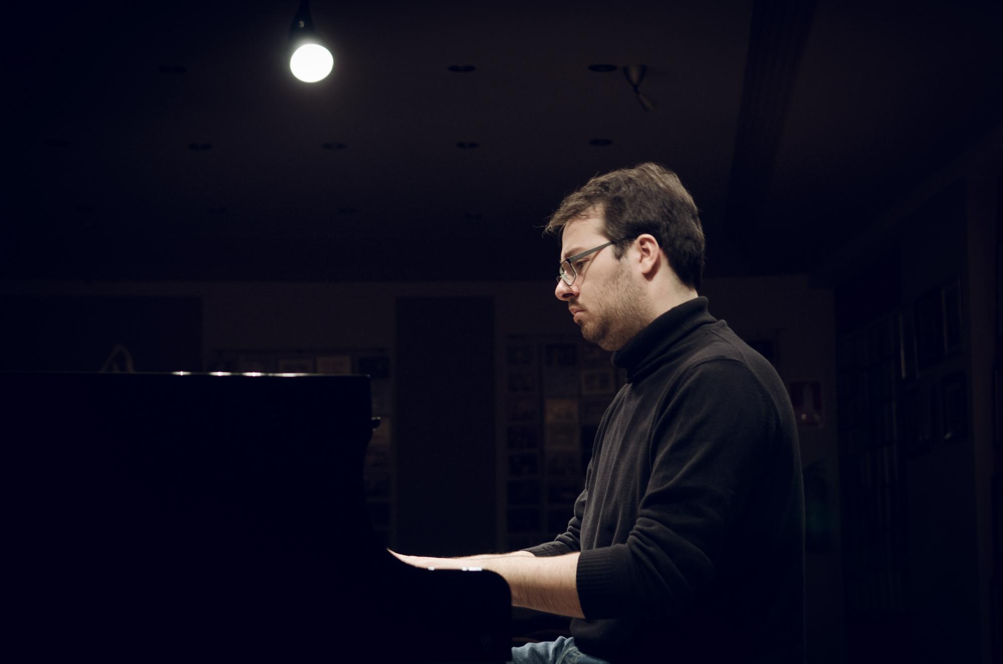 Probando el piano de la Fundación Eutherpe (2018)